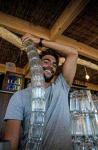 ALEX - Barman