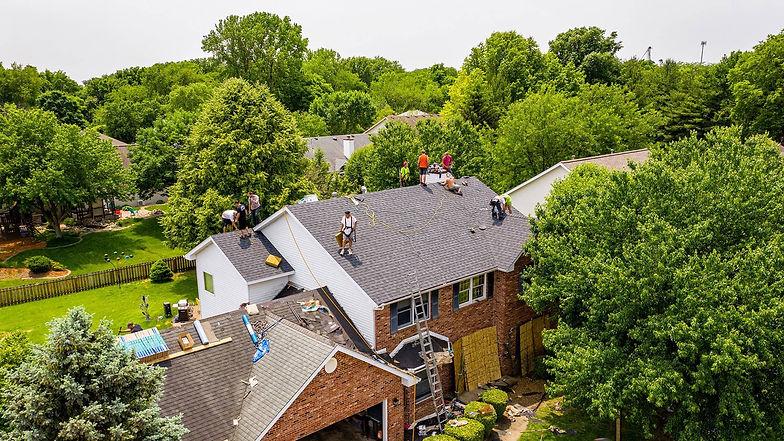 roof.contractors.shingles-min (1).jpg