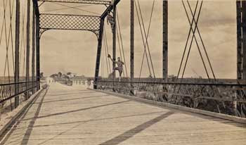 2 Guys on Bridge