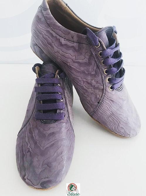 Ladies Basic Dance Sneaker Model