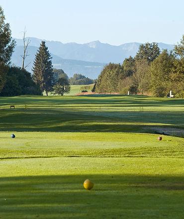 Loch 3 Golfplatz Schloss Maxlrain
