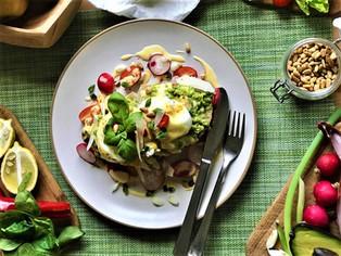 Sourdough, Avocado, Poached egg, Hollandaise