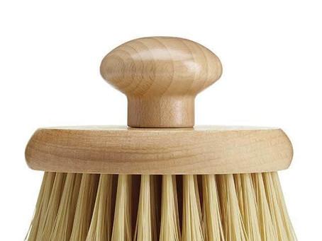 Beauty Tip - Brush off