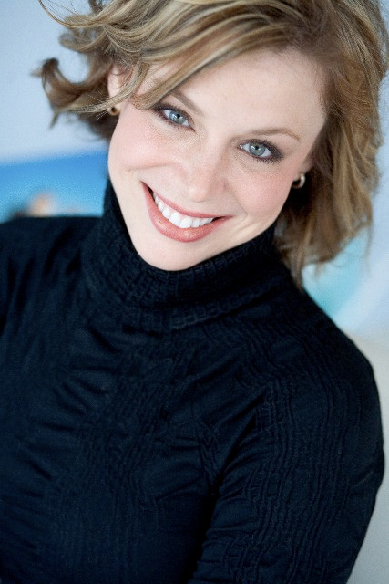 Kristen Johnson Gunn, Voice