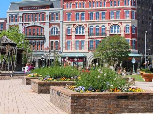 Dumont Plaza