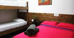 habitación nº 8, 1 cama doble + 1 camaro