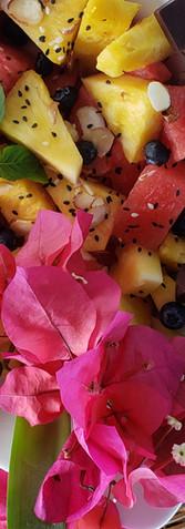 un poco de fruta fresca y chocolote orgánico bocastoreño.