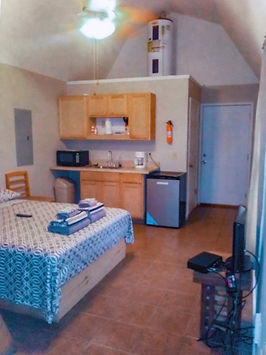 Cabin efficiency with kitchenette