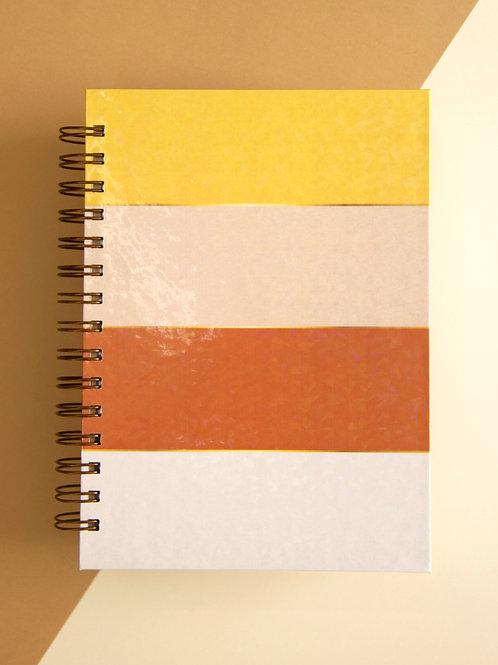 Caderno Grande Listradinho Aconchegante