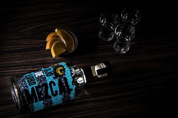 Flasche Mezcal mit Orange.jpg