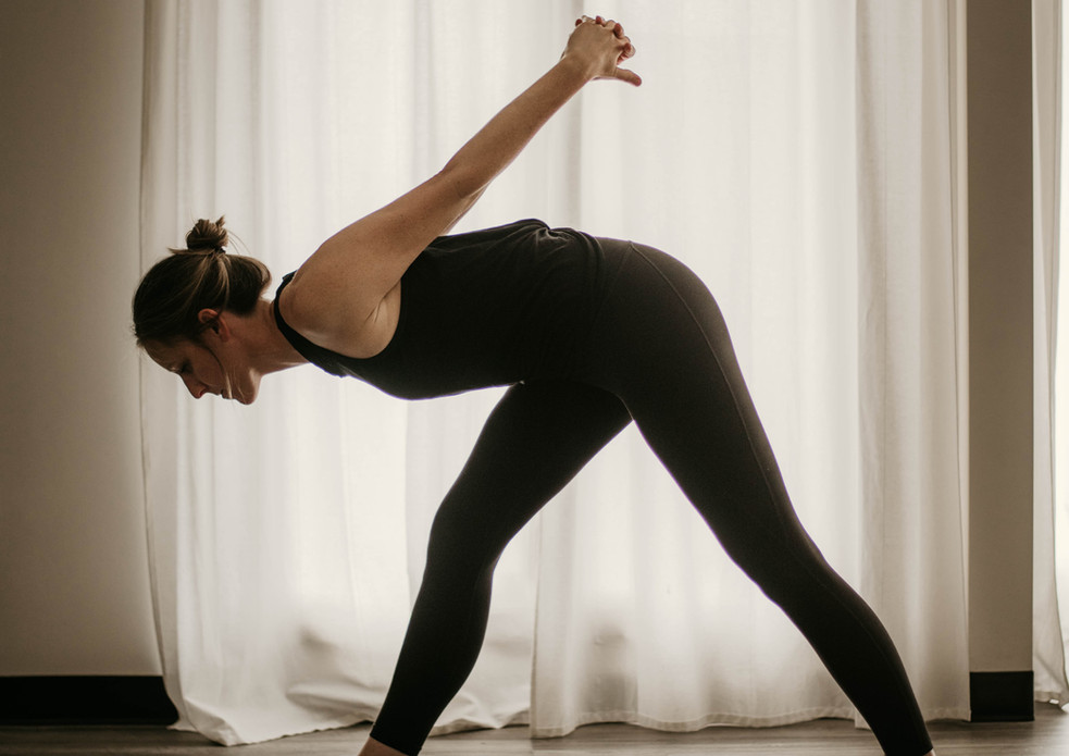 Quick Morning Stretch with Becca Ellis - 5 Minutes