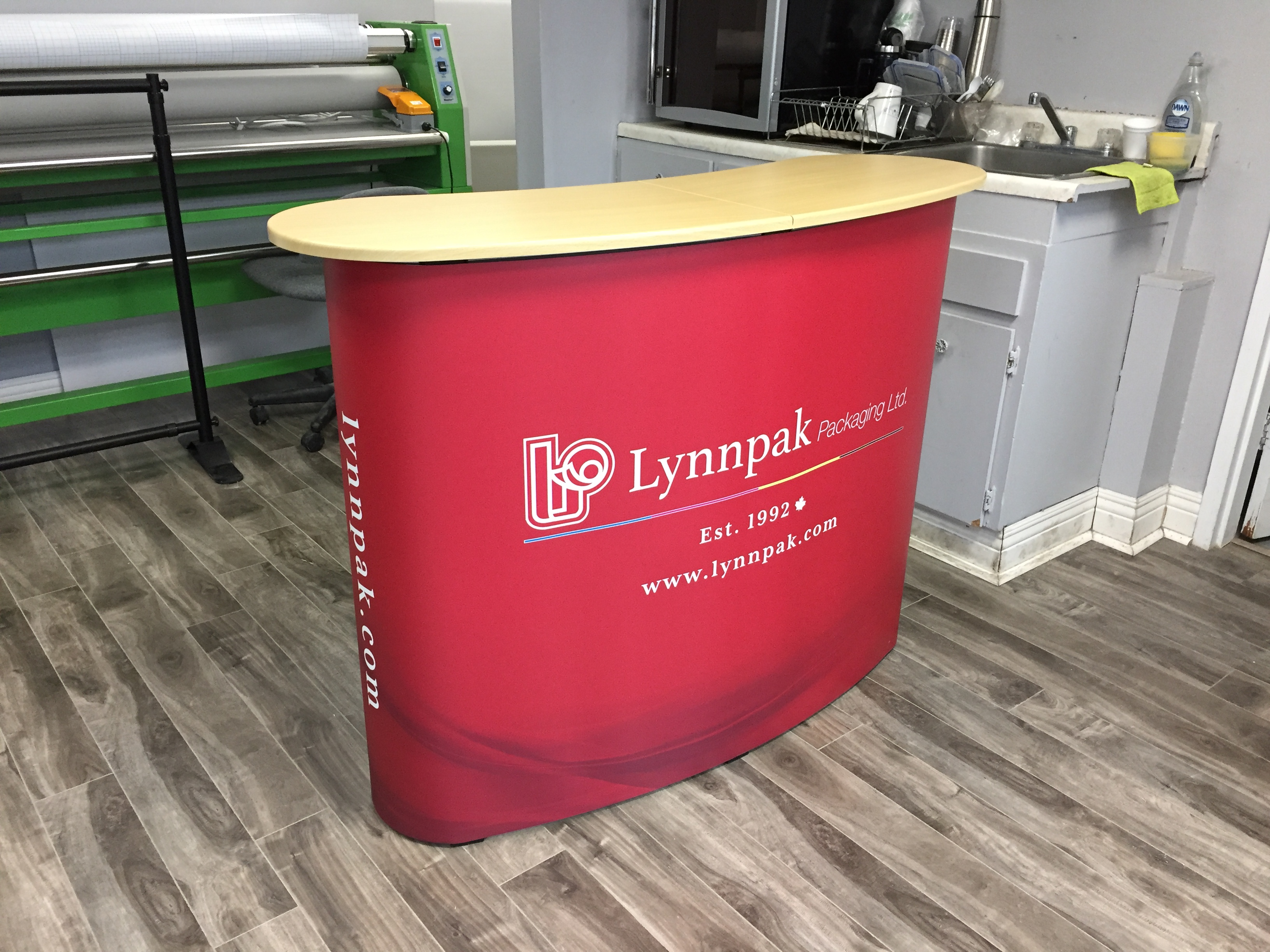 Portable Curved Pop Up Counter