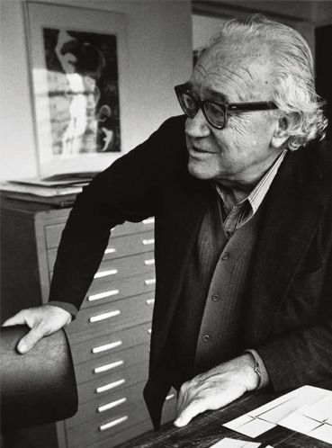 Lothar Charux