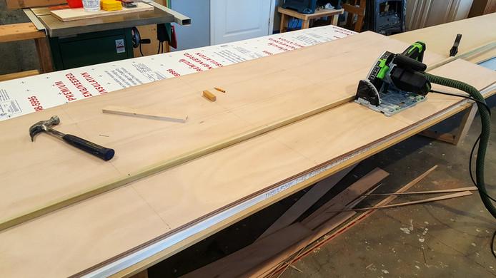 012 - Cutting out planks using batten an