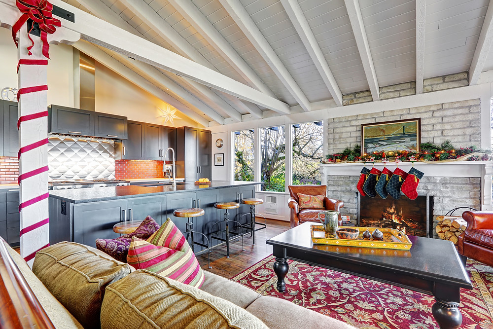 real estate property decorated in green and red for the holidays