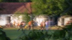 Zaungast_beim_Fußballspiel