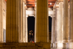 Zwischen den Säulen