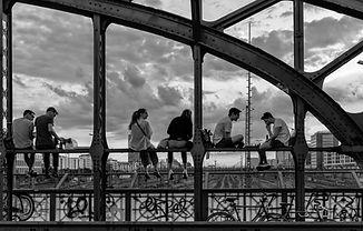 Auf der Brücke.jpg