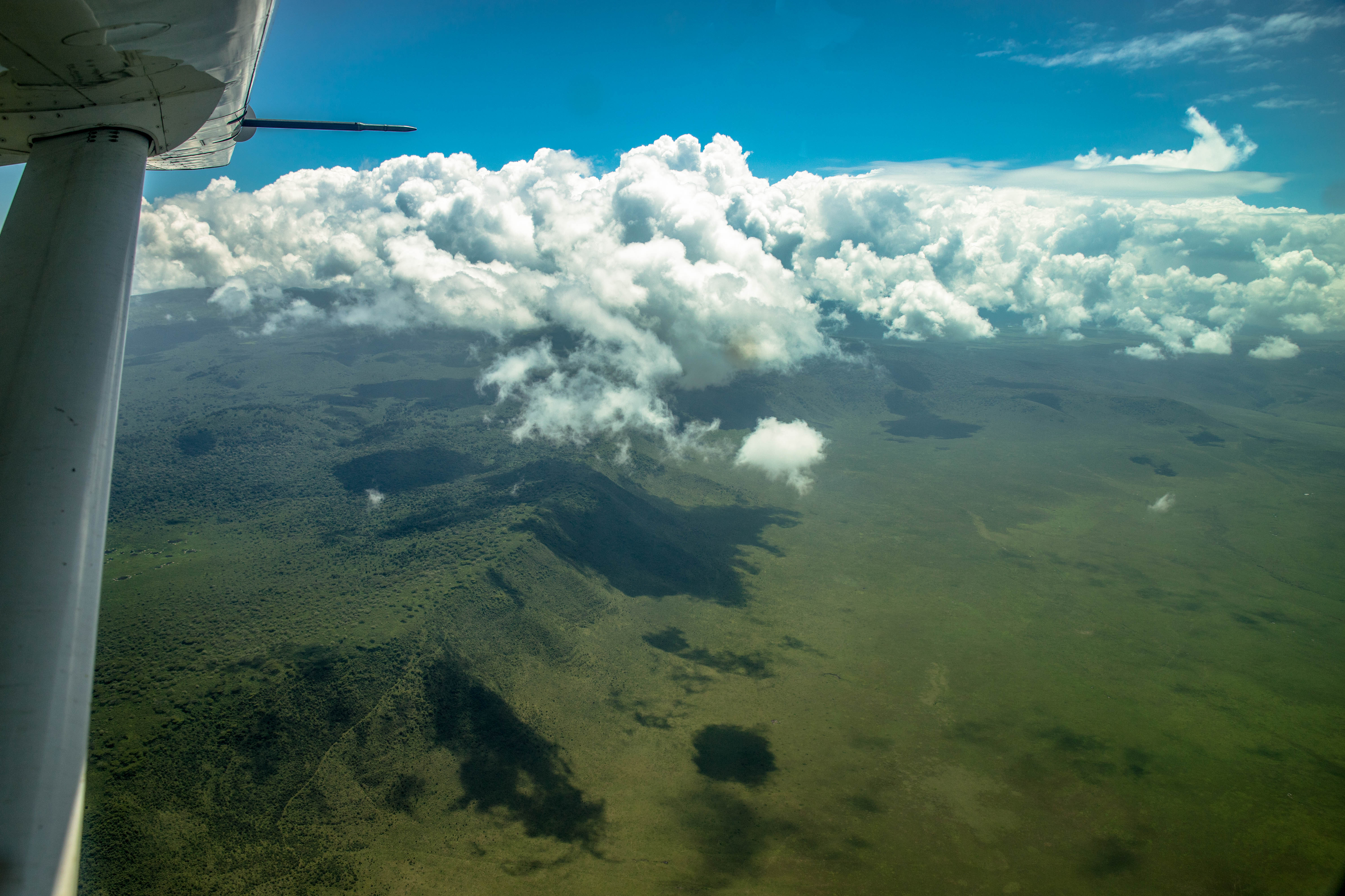 Flug über die Serengeti