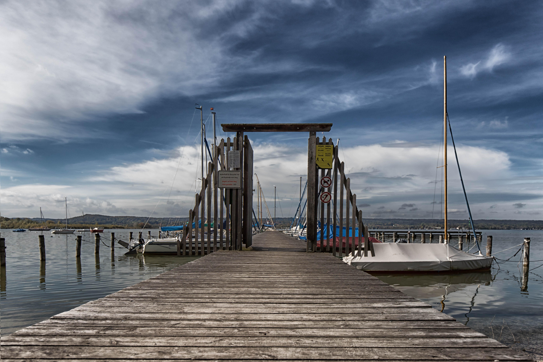 Ein Tor zum See