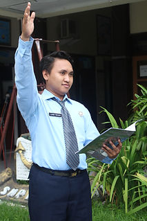SAMUEL DHODY PRATAMA (GURU BHS INDONESIA