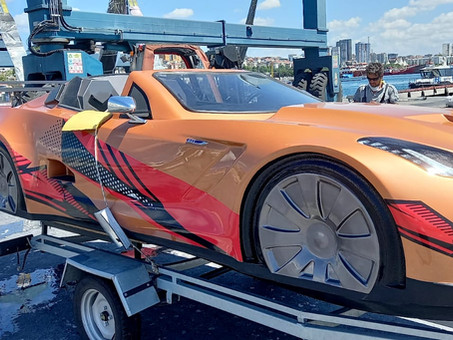 A C7 Corvette in Boat's Clothing: Here Is a Jetcar Boat to Make Huge Waves
