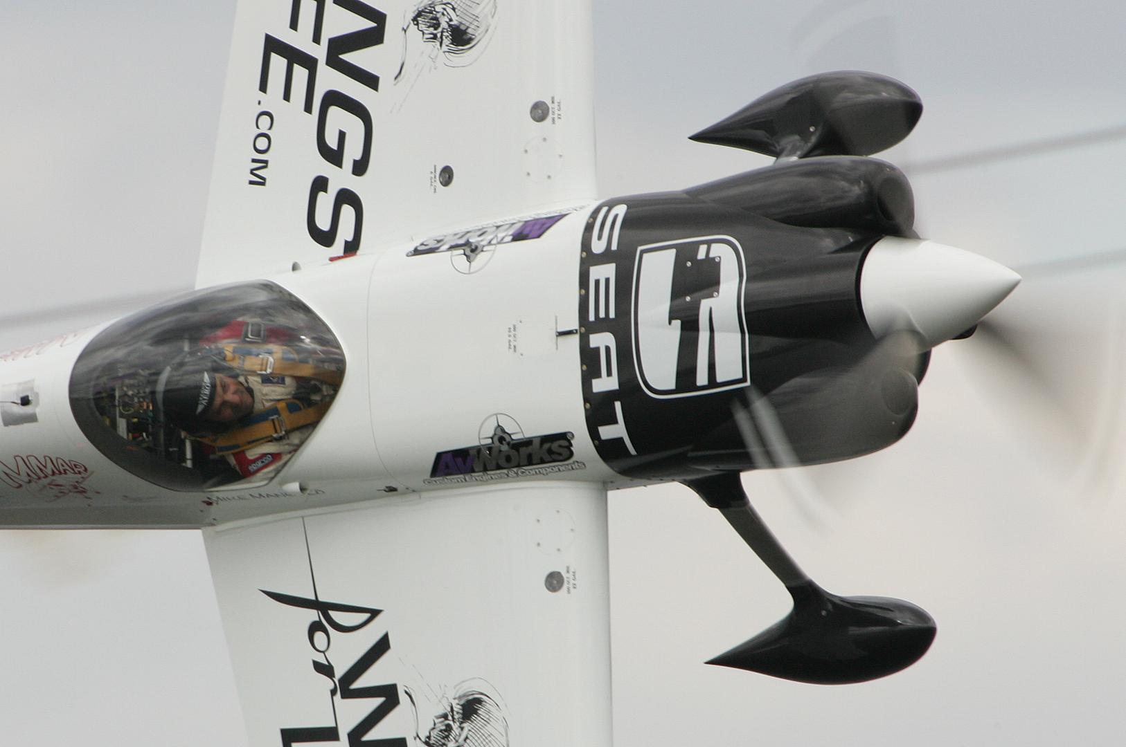 aerobatics mike mangold mooresville nc carbon fiber