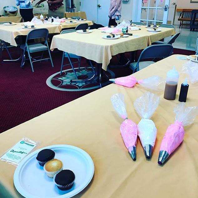 Wine & Cupcake Decorating Party.jpg We o