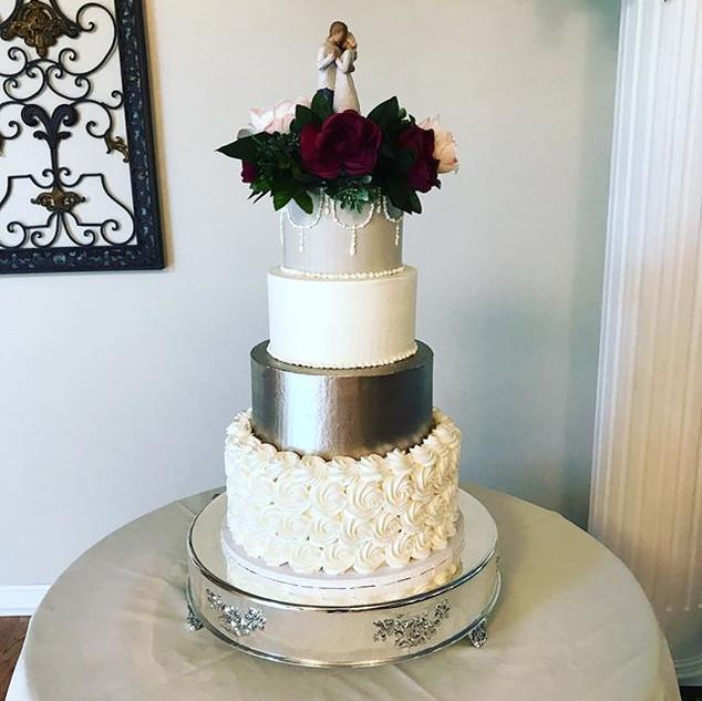 Beautiful Elegant Wedding Cake