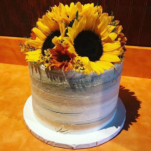 Sunflower Birch Sweetheart Cake #cake #b
