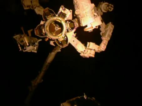 Suzanne et la station spatiale.