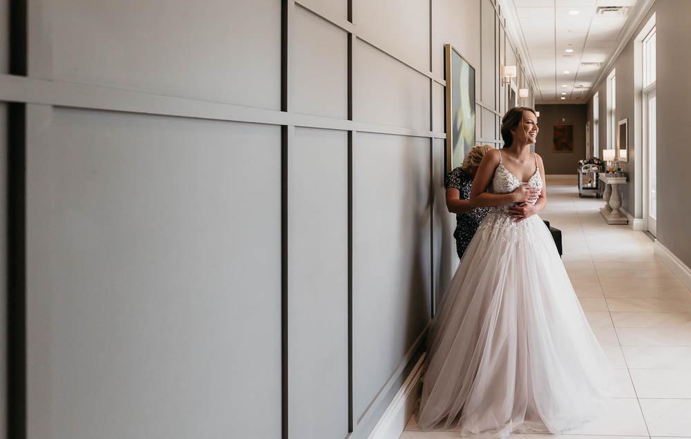 St. Louis Wedding, Bride getting ready. Wedding Photography.