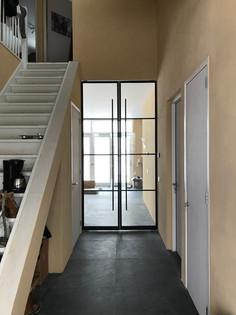Dubbele deuren rank uitgevoerd