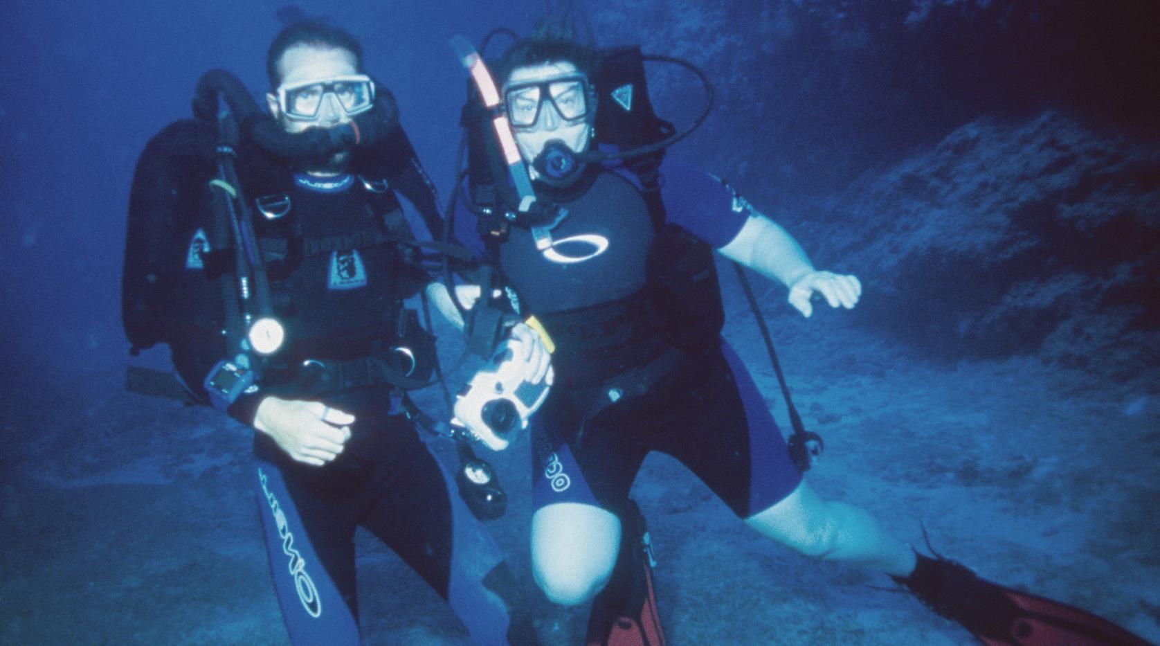 DE Story Ken Mom Diving.png