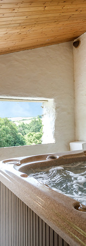 Our fantastic Hot Tub is available to all our guests here at Old Lanwarnick