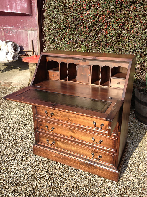 Bureau in pine, colour matched for the customer