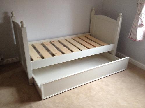 Weekend Bed