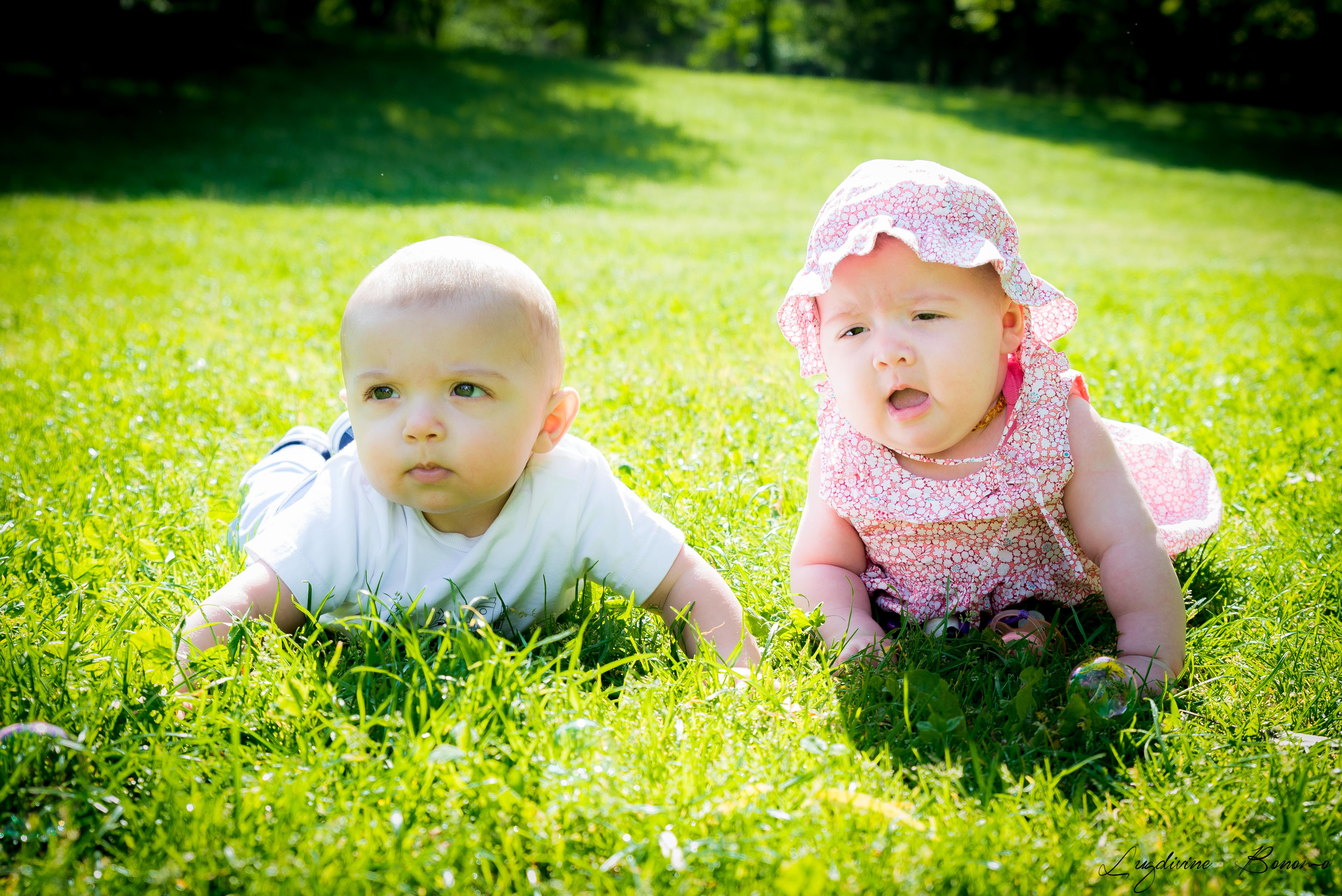 séance photo bébé 6 mois extérieur