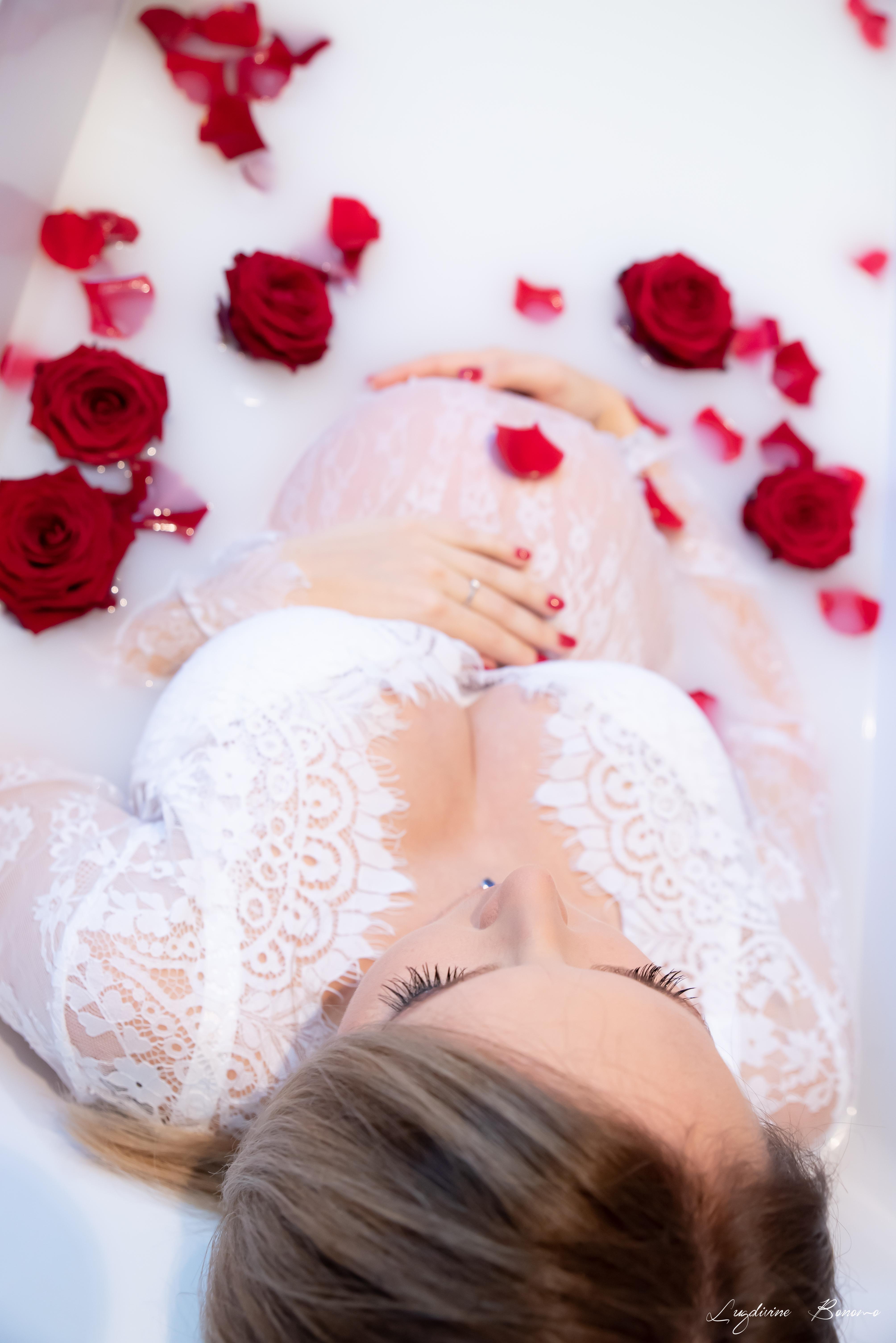 bain de lait femme fleur fraîche