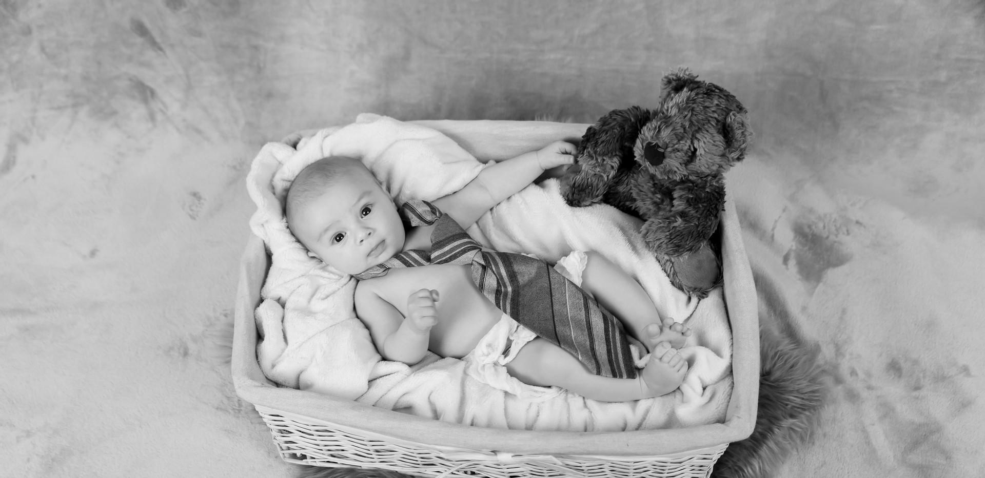 Photographe bébé naissance martigues