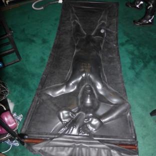 Latex Vac Bed