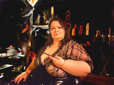 Mistress Amara at the Maison De Debauch