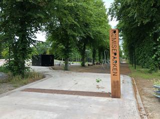 Hegnet fjernes i en del af parken