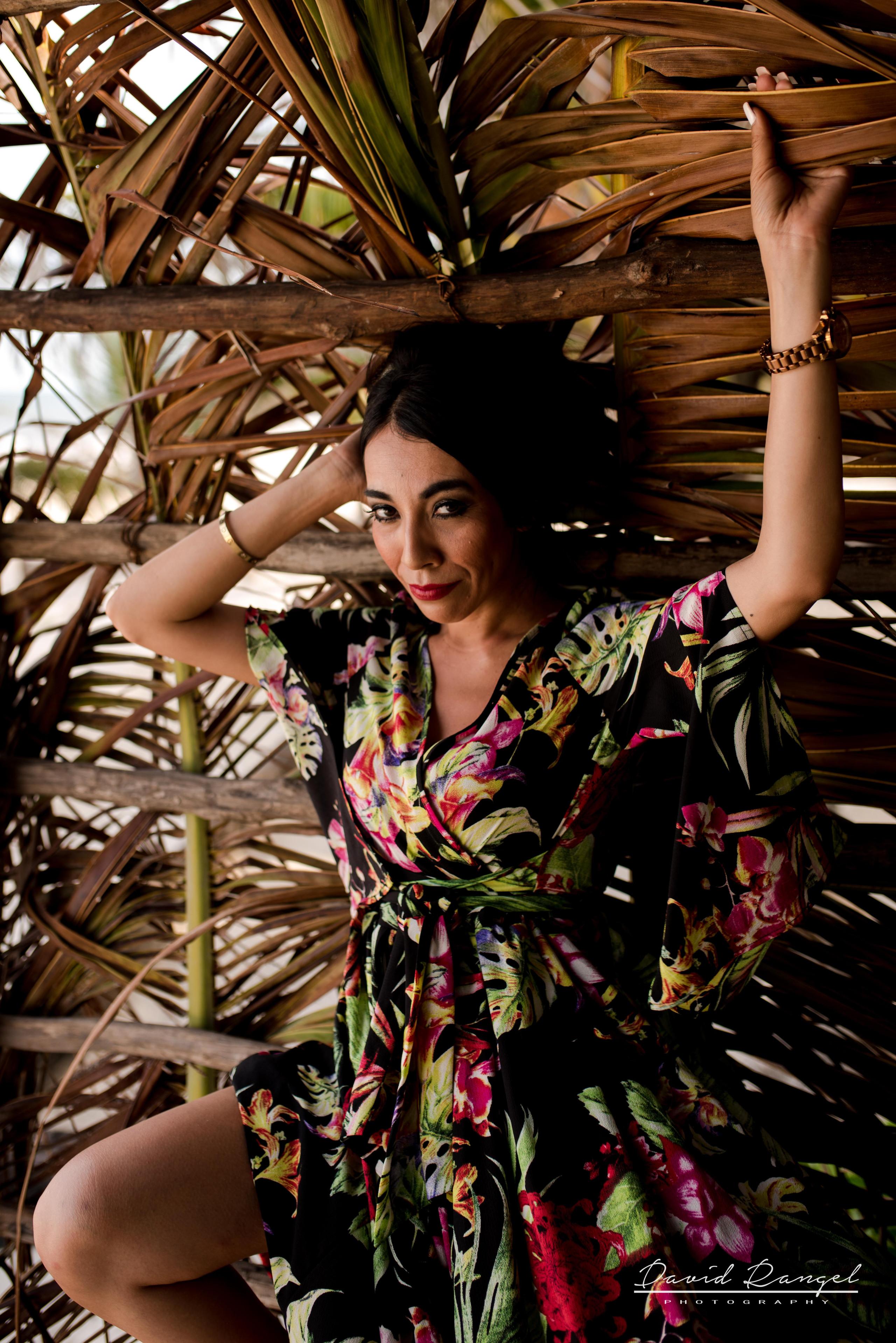 beach+photo+session+tulum+casa+malca+destination+photographer+garden+sand+riviera+maya+girl+woman+photo+picture+model+intimate+david+rangel+photography+photographymnm+tunnel