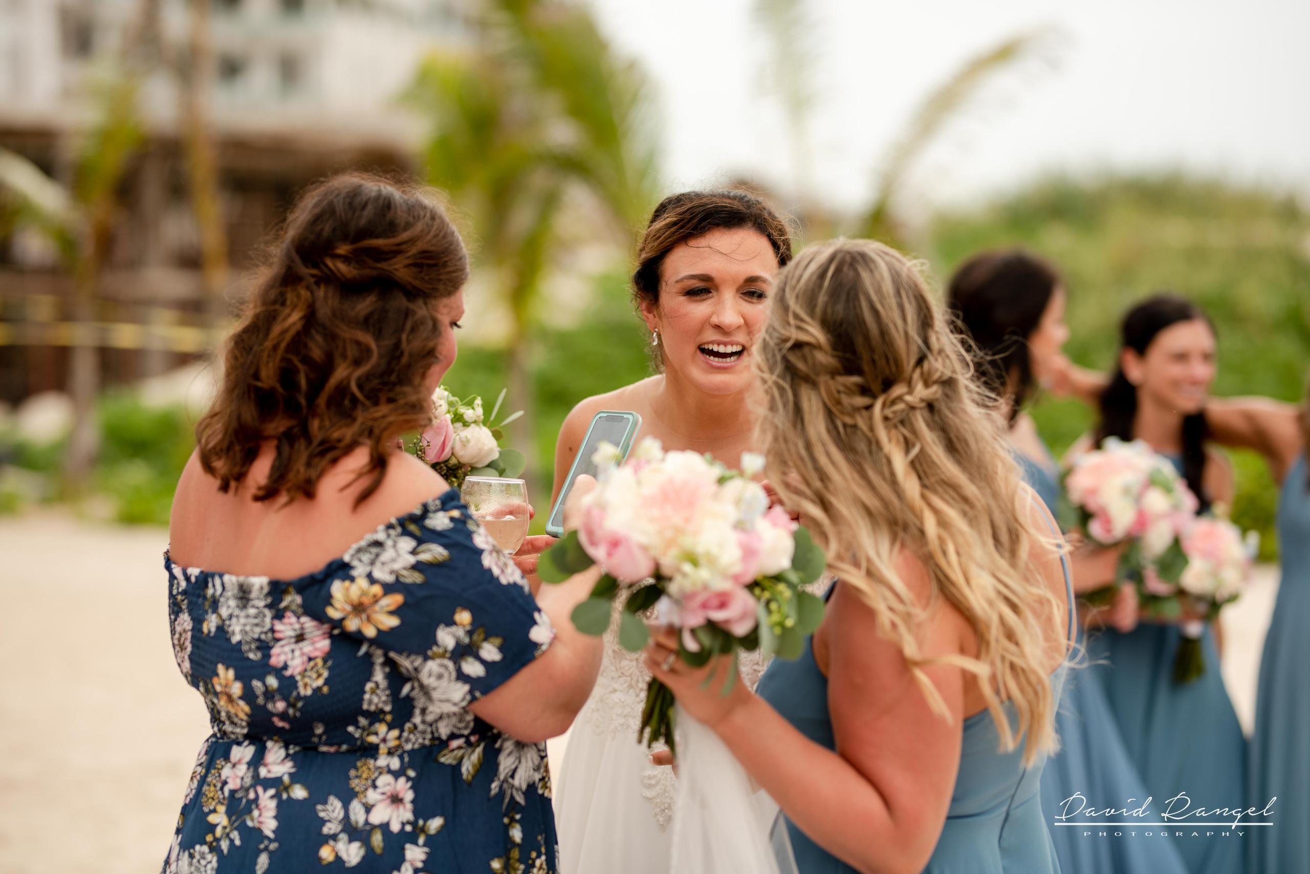 bride+bridesmaids+maid+of+honor
