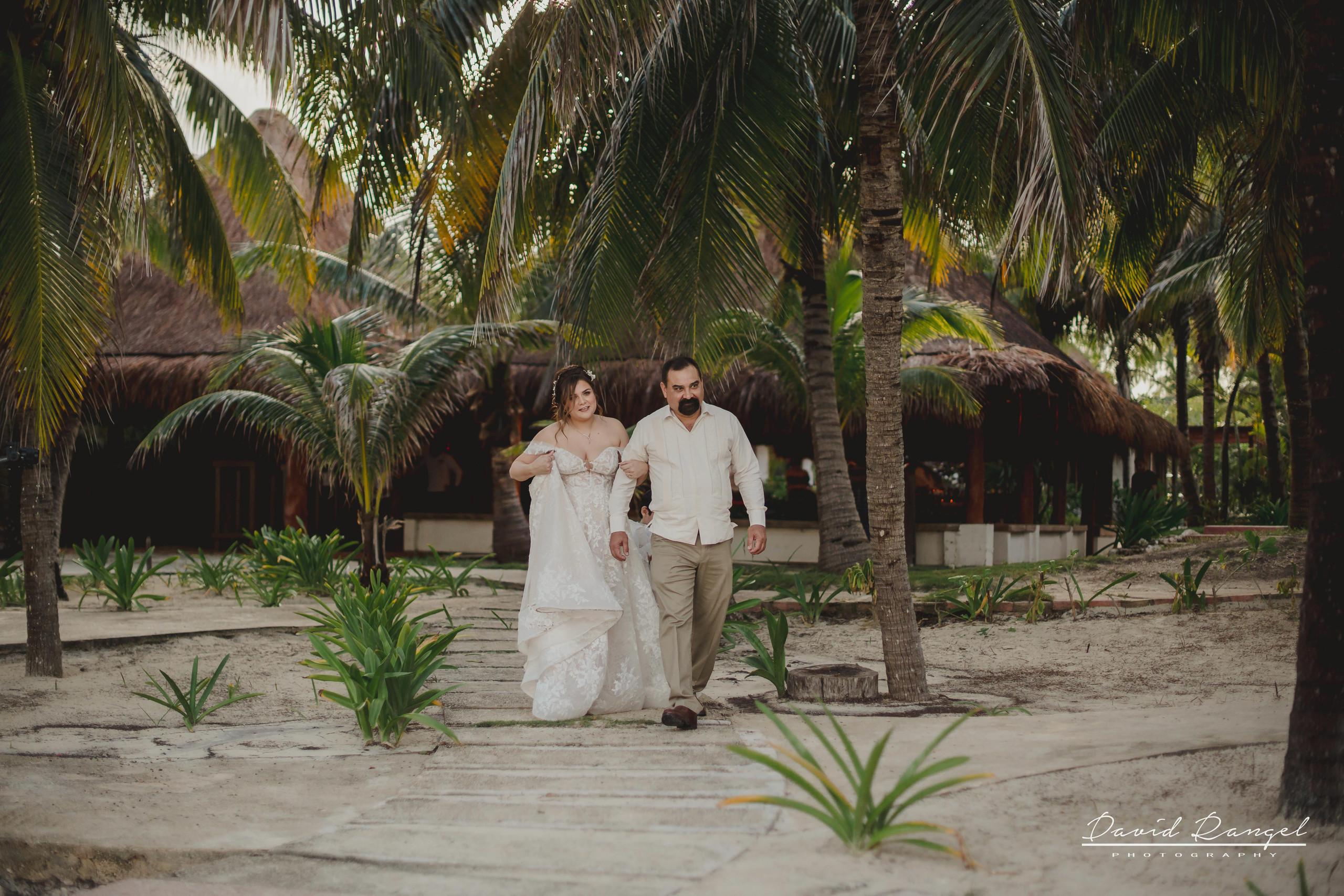 walk+to+the+aisle+father+bride+wedding+ceremony+dress+villa+chenera+isla+blanca+costa+mujeres+garden+beach