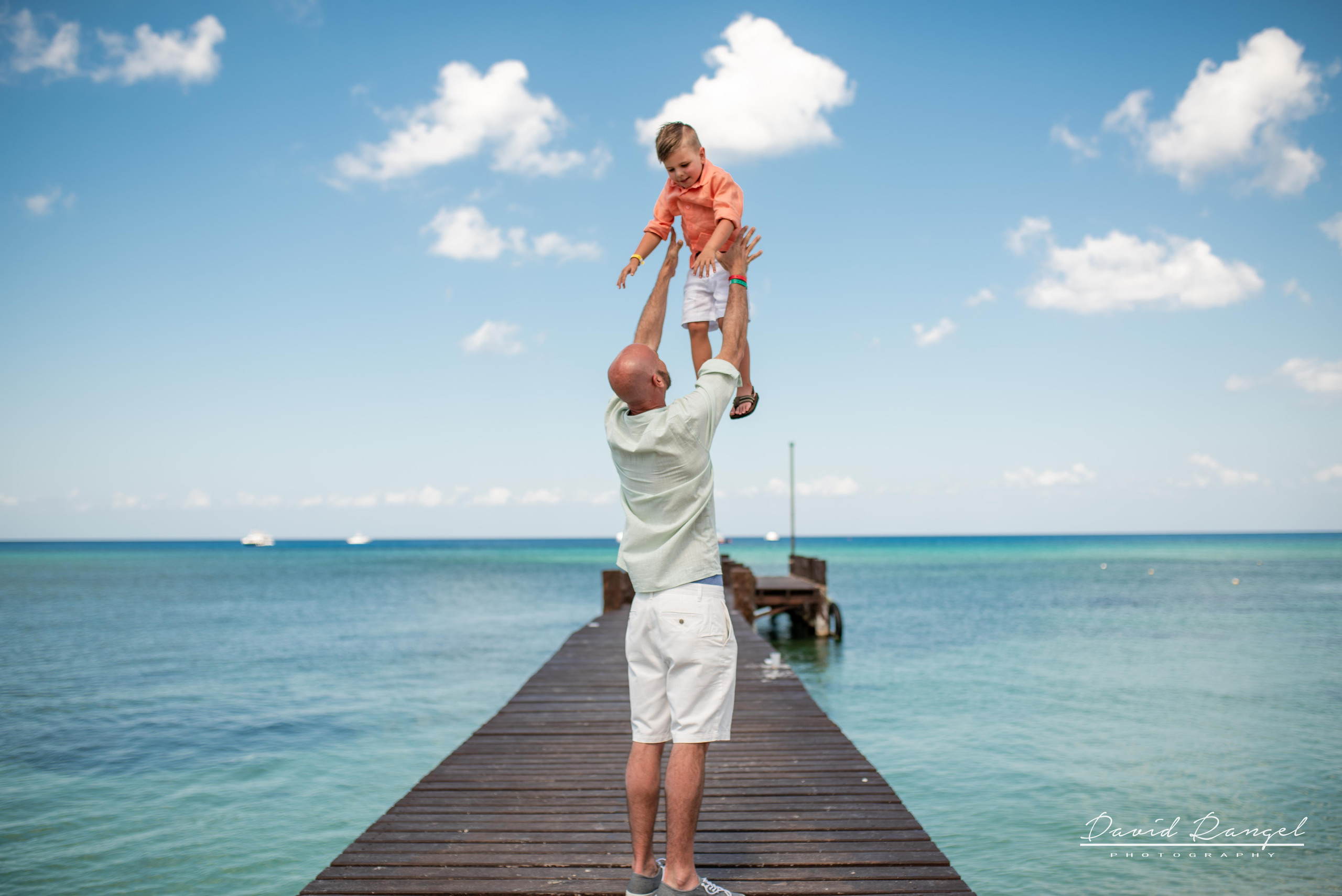 session+beach+cozumel+island+photo+destination+photographer+father+son+game+play+water+pier+paradise