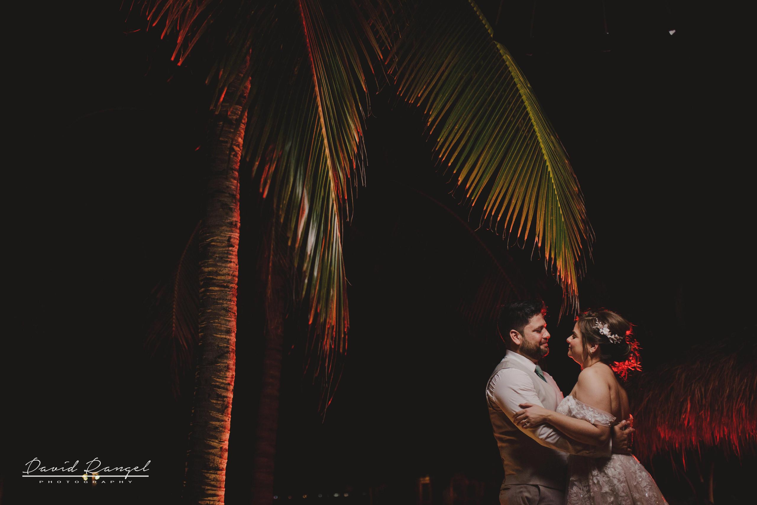 bride+groom+beach+session+happy+love+couple+celebration+wedding+photo+beach+caribean+sea+photographer+david+rangel+dress+suit+villa+chenera+main+entrance+reception+kiss+back+light