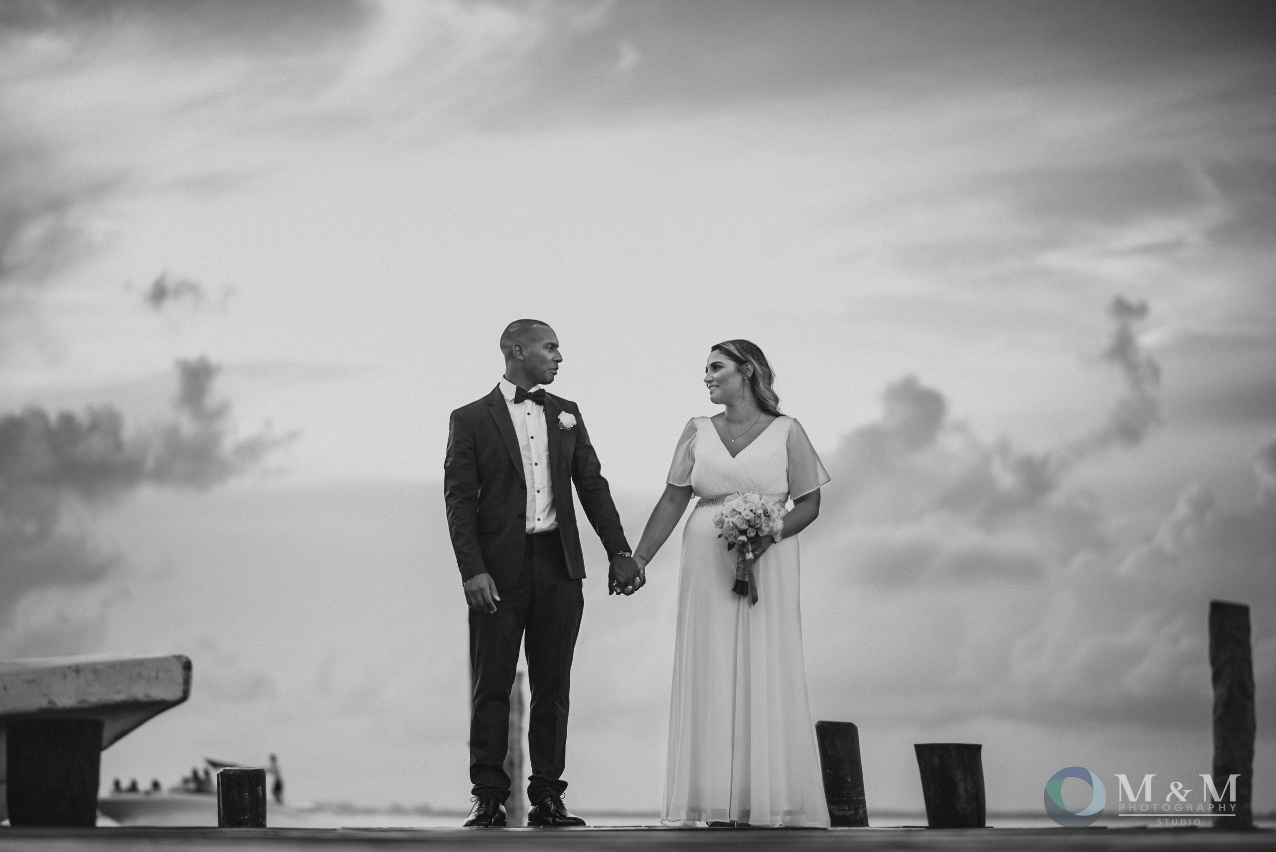 bride+groom+photo+black+white+pier