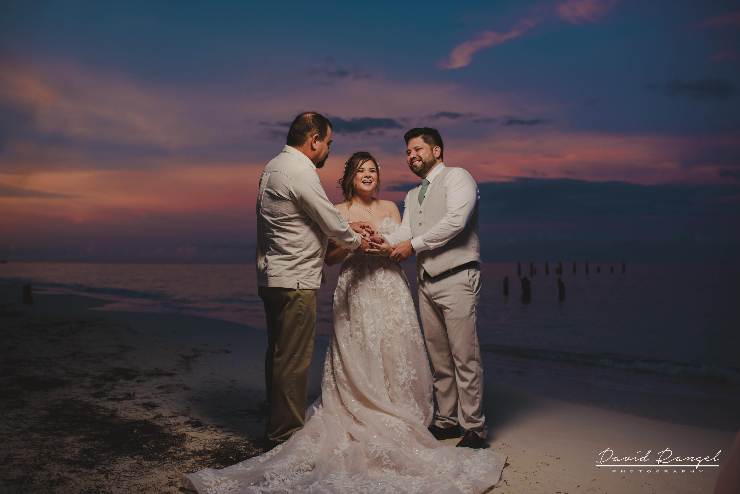 bride+groom+beach+sunset+session+happy+love+couple+celebration+wedding+photo+beach+caribean+sea+photographer+david+rangel+dress+suit+villa+chenera